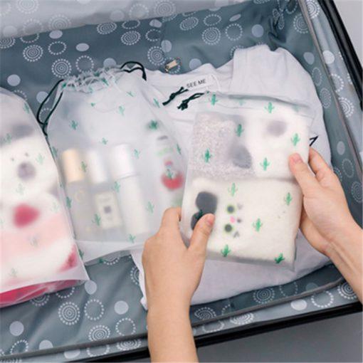 magic-wrap-make-up-bag-4